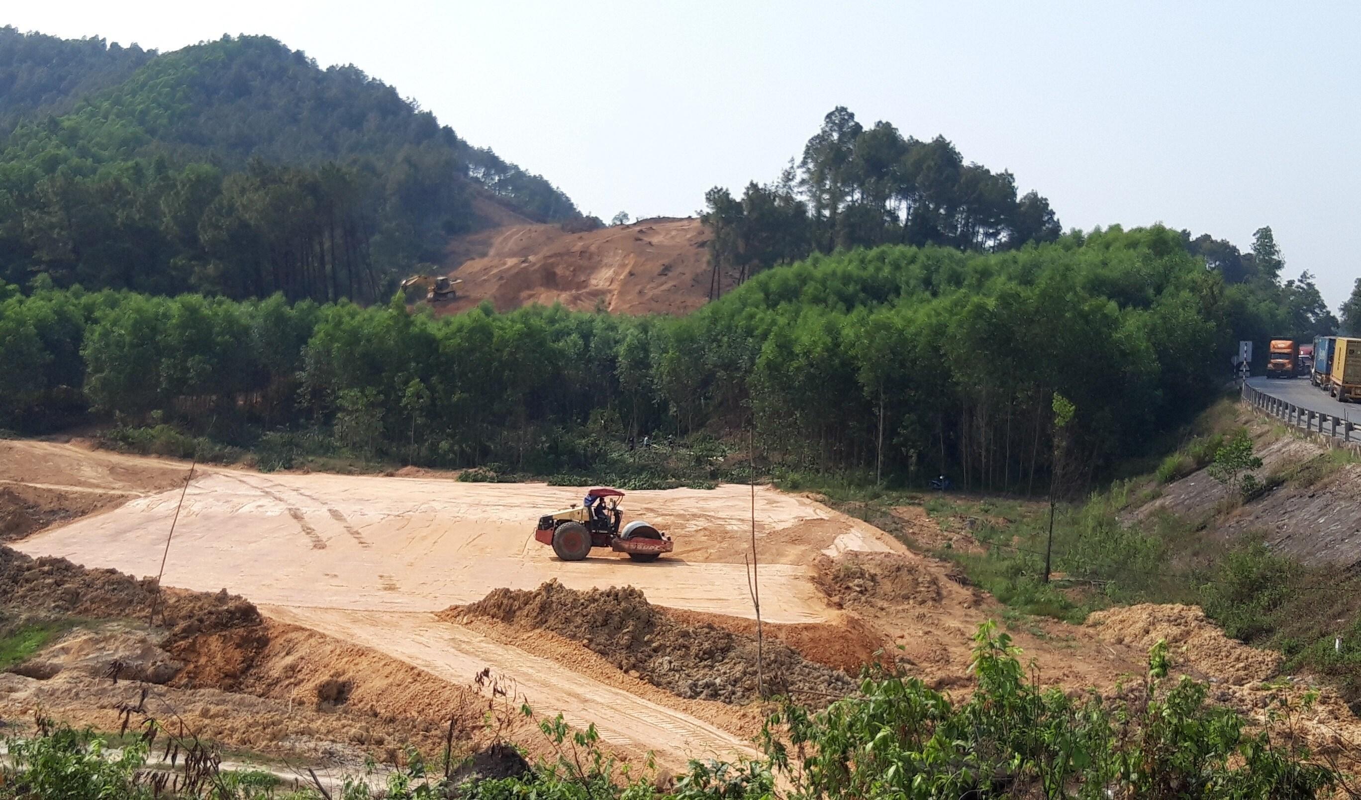 Tập trung xử lý vướng mắc GPMB cao tốc Cam Lộ - La Sơn đoạn qua Hương Trà