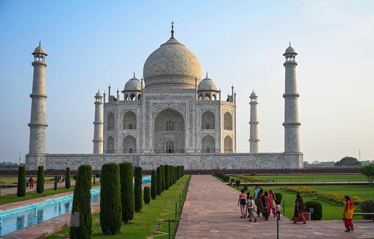 Dịch COVID-19: Ấn Độ quyết định mở lại đền Taj Mahal vào ban đêm