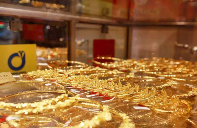Giá vàng hôm nay 12/1: Vàng khó lấy lại đà tăng giá