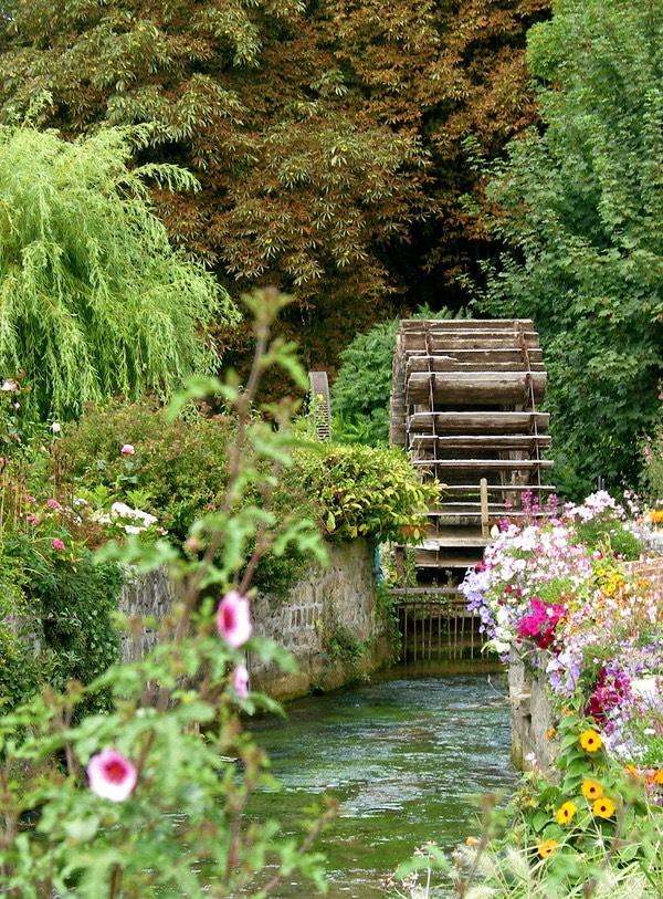 Veules les Roses, ngôi làng của sông Veules và hoa hồng