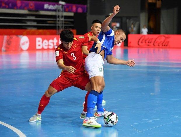 Tuyển futsal Việt Nam thua ứng viên vô địch Brazil ở Futsal World Cup