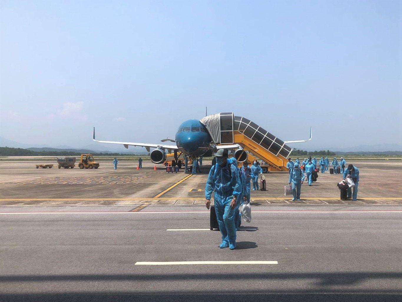 VNA thực hiện liên tiếp hai chuyến bay thí điểm cách ly tập trung 7 ngày với công dân từ Hoa Kỳ về nước