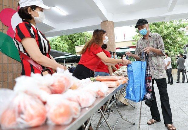 Chợ nhân đạo hỗ trợ các gia đình khó khăn bị ảnh hưởng bởi dịch