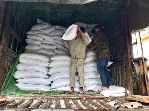 Dịch COVID-19: Đấu thầu gạo hỗ trợ người dân gặp khó khăn