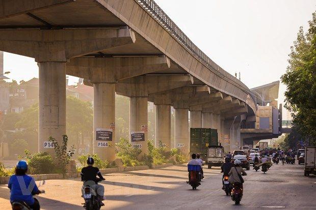 Giao thông ở Hà Nội nhộn nhịp trong ngày đầu dỡ bỏ 39 chốt kiểm soát