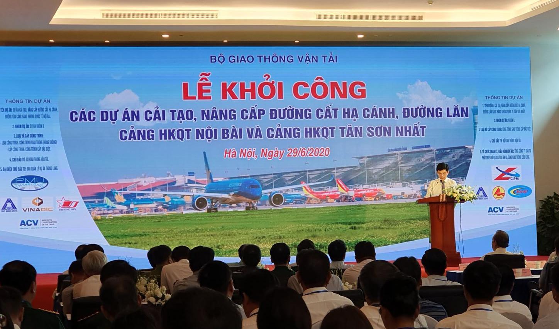 Khởi công 2 dự án cải tảo, nâng cấp đường băng sân bay Nội Bài và Tân Sơn Nhất