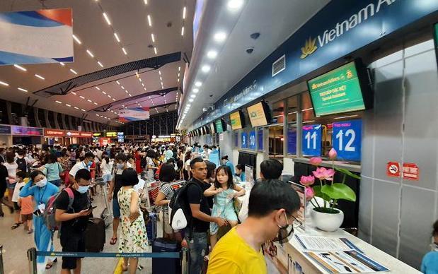 Các hãng hàng không nội địa tiếp tục chính sách hỗ trợ khách đổi vé máy bay