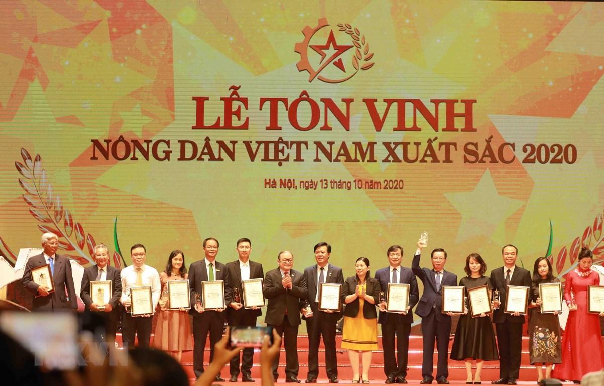 Vinh danh 63 nông dân Việt Nam xuất sắc, sáng tạo trong lao động