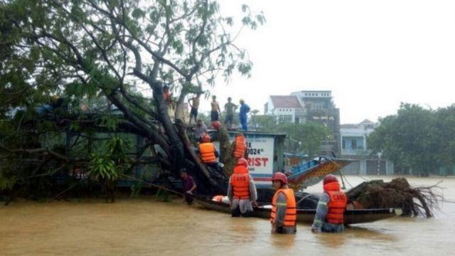 Huy động tổng lực cứu nạn sạt lở ở Thừa Thiên Huế