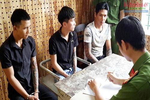 Đắk Nông: Truy lùng các đối tượng đi ô tô đến quán nhậu chém người