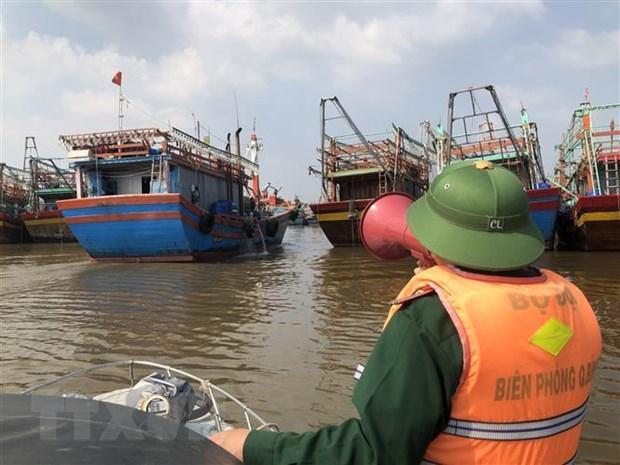 Bão số 13 có gió giật cấp 12 ở vùng ven biển Nghệ An đến Quảng Ngãi